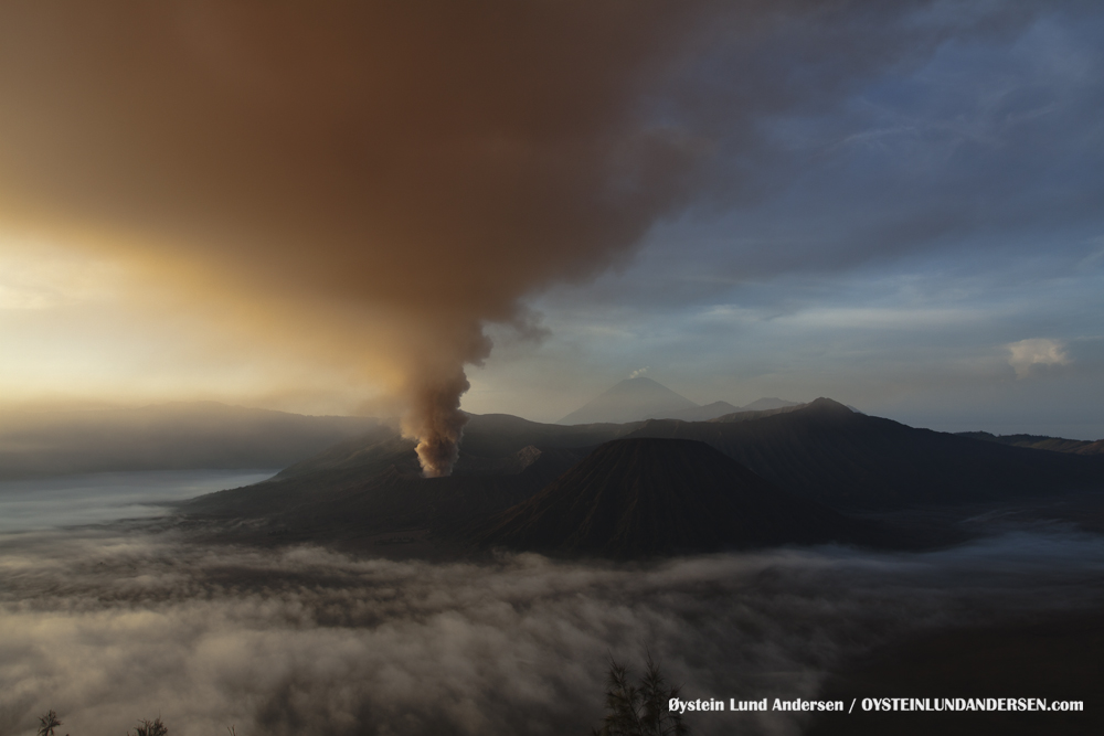 Bromo Eruption 2010 Indonesia
