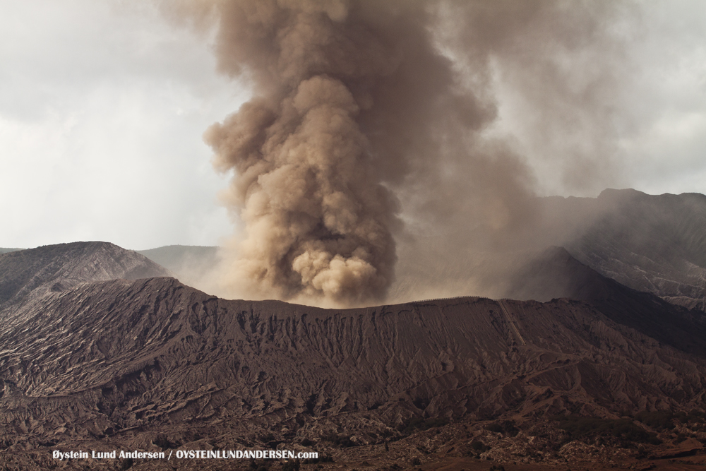 Bromo Eruption 2010 Indonesia