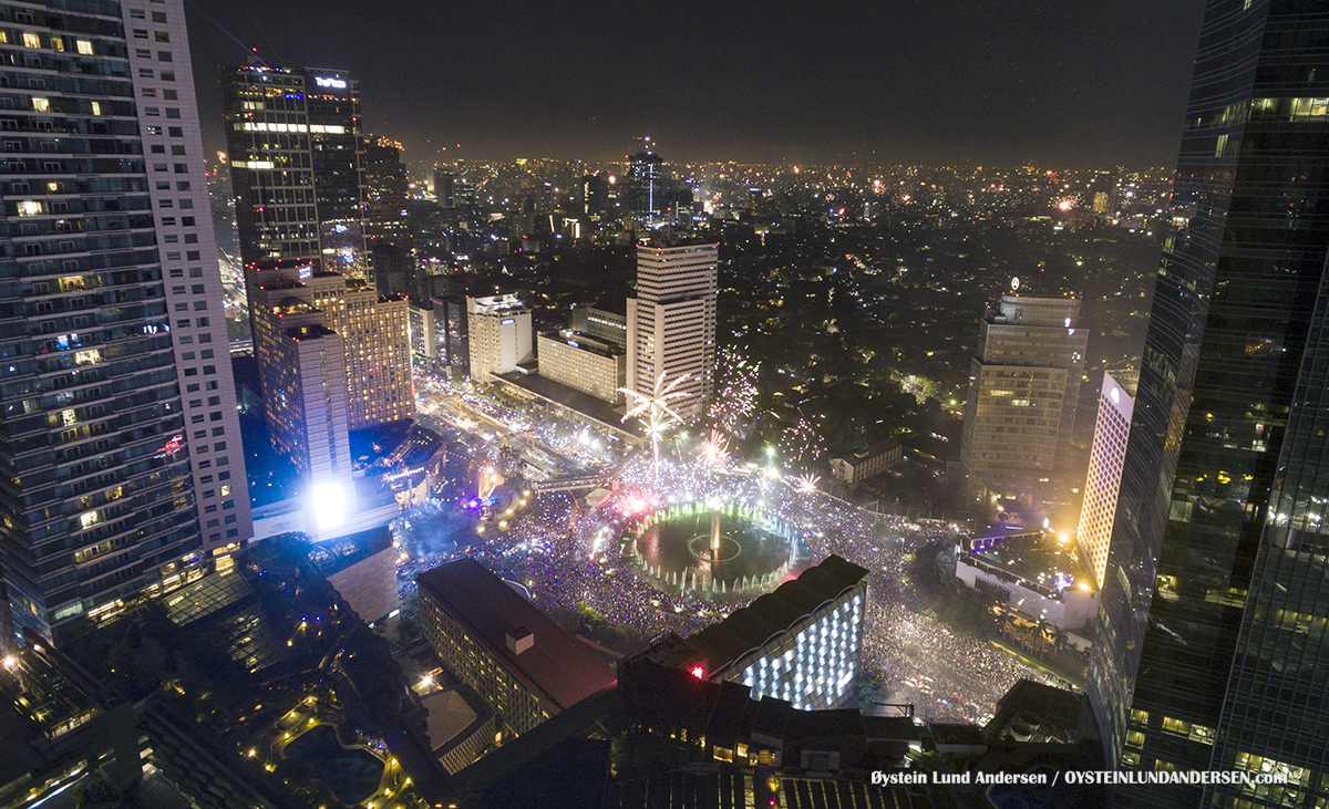 Jakarta new years eve 2016 bundaran hotel indonesia dji