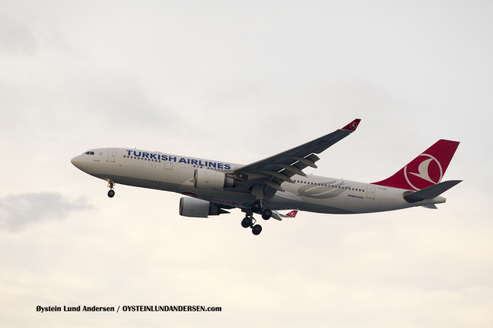 Turkish Airlines Airbus 330-200 (TC-JNE) (15th February 2016)
