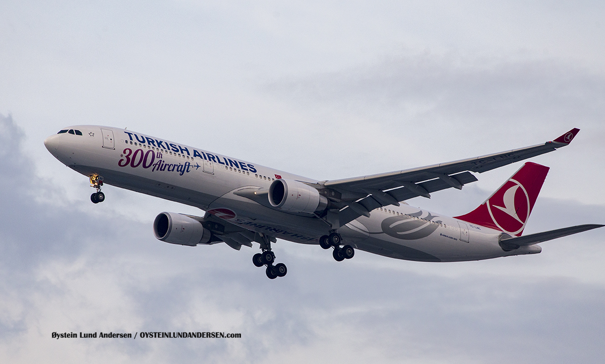 Turkish Airlines TC-LNC Airbus 330-300 Jakarta Airport Sukarno Hatta
