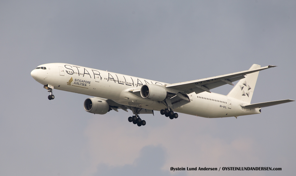 Singapore Boeing 777-300 arriving from Singapore (9V-SYL)