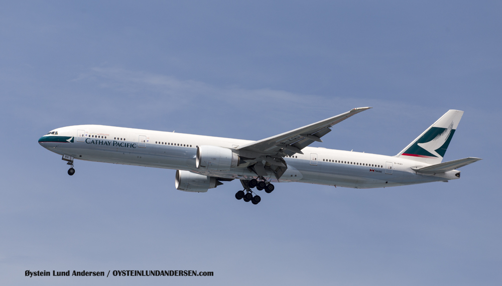 Cathay Pacific Boeing 777-300ER (23 December 2015)