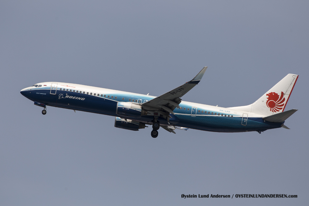 Boeing 737-900 (29 December 2015)