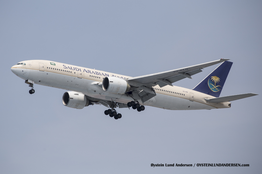 Boeing 777-200 arriving from Jeddah, Saudi Arabia. (29 December 2015)