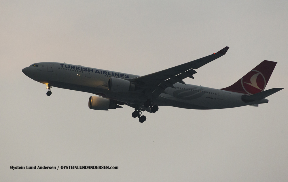 Turkish Airlines Airbus 330-200 arriving in late evening from Singapore (6 December 2015)