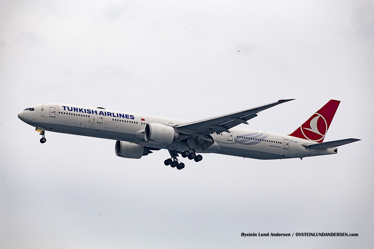Jakarta Indonesia Turkish Airlines - Boeing 777-300ER (TC-JJG, named Yıldız )