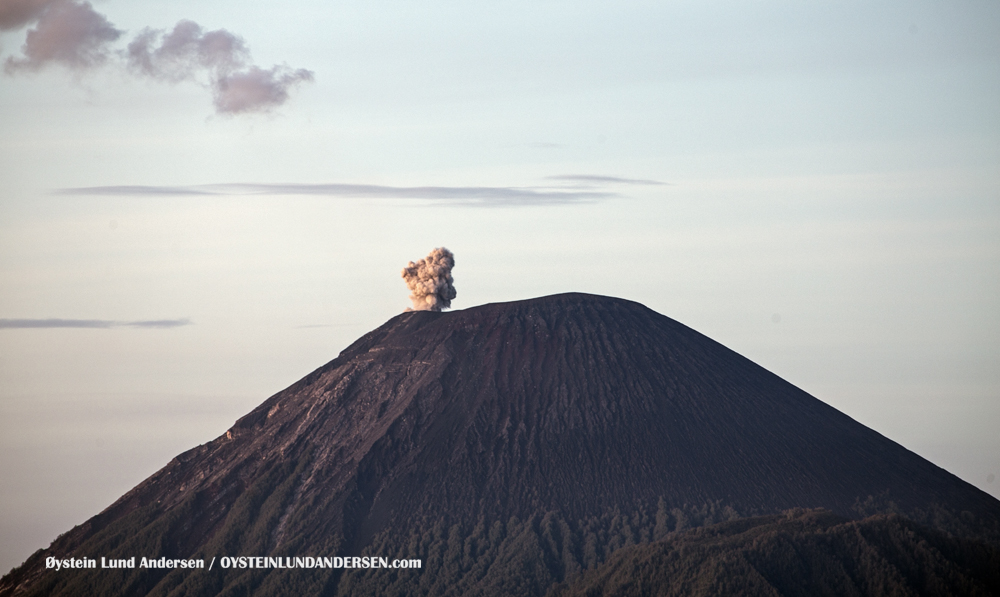 Semeru Bromo Tengger Indonesia Eruption Volcano April 2016