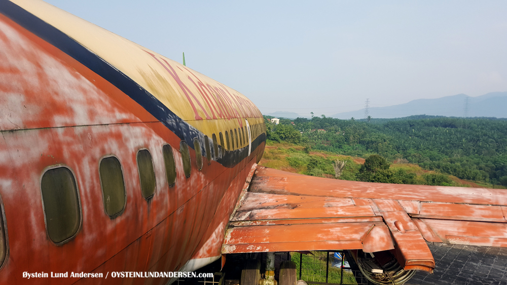 Top-Air Top Air 737-200 Airline Indonesia PK-BPW Sukabumi Bogor Indonesia Resturant