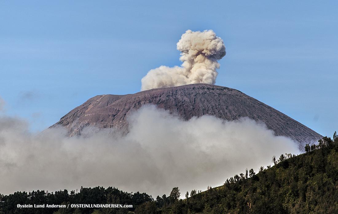 Semeru tengger java volcano Indonesia 2016 eruption