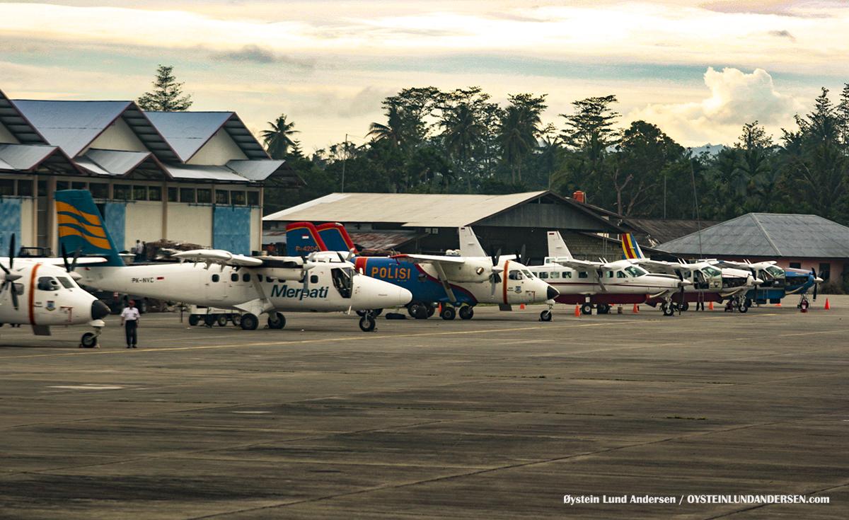 PK-NVC Twinotter Merpati Sentani Jayapura Papua 2009