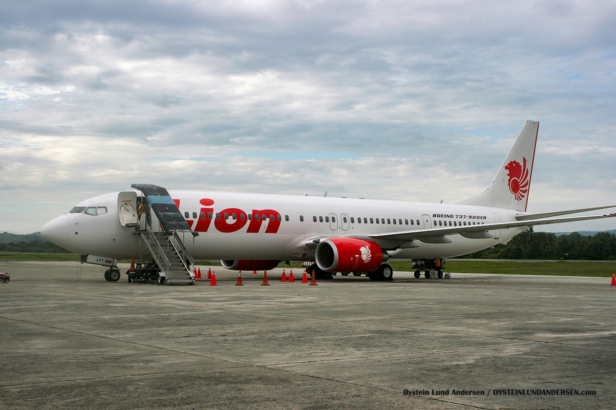 (PK-LFT) Lionair Sentani airport spotting 2009