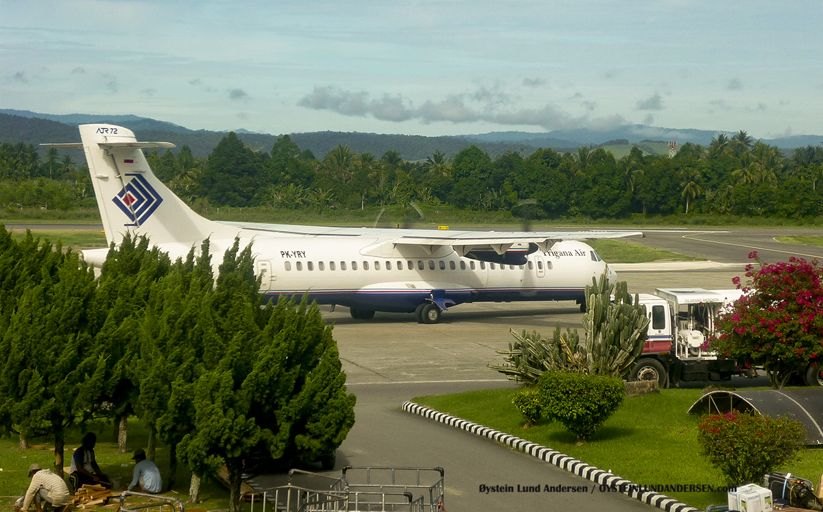 ATR-72 (PK-YRY) Trigana sentani airport jayapura djj spotting