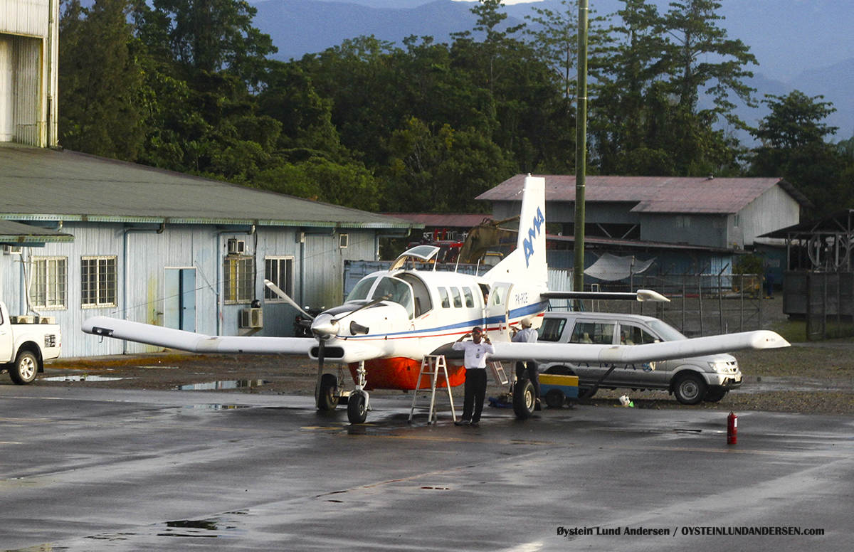 timika airport papua spotting PK-RCE PAC-750