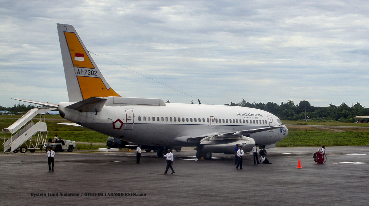 Boeing 737-200 Adv Surveiller (AI-7302) (March 2006) timika airport papua spotting
