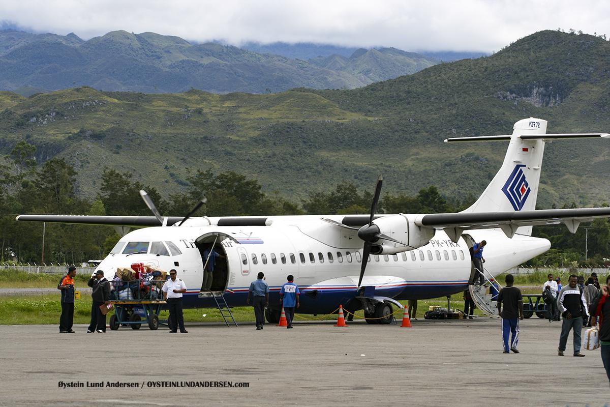 ATR-72 (PK-YRX) Trigana Wamena WMX airport papua