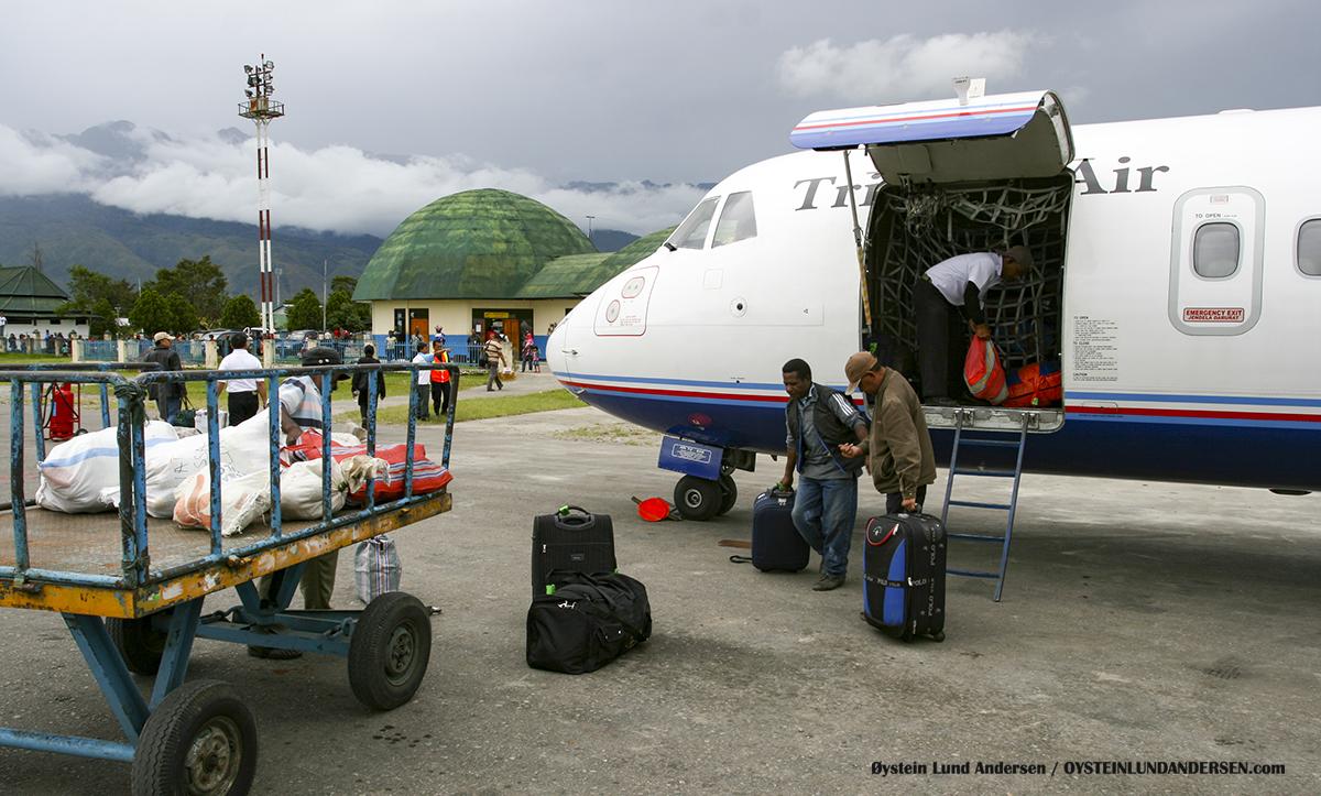 ATR-72 (PK-YRX) Wamena WMX airport papua