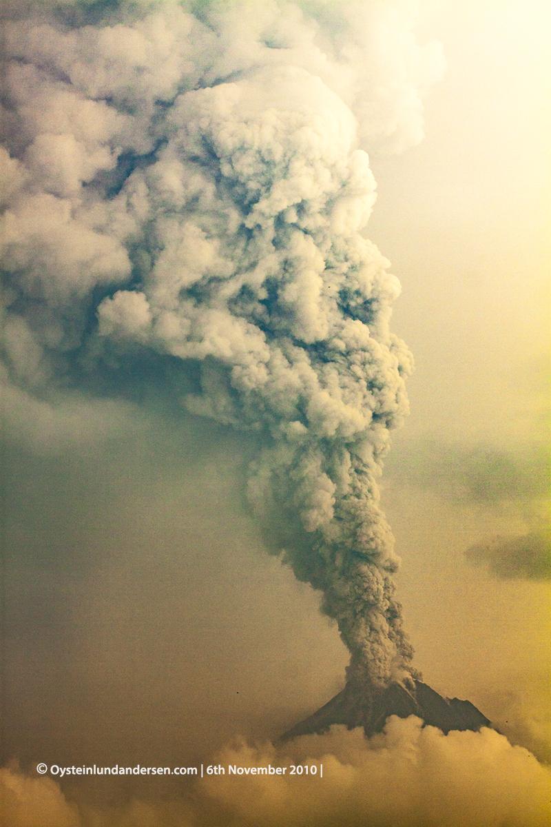 Merapi Volcano eruption plume plinian 2010 andersen