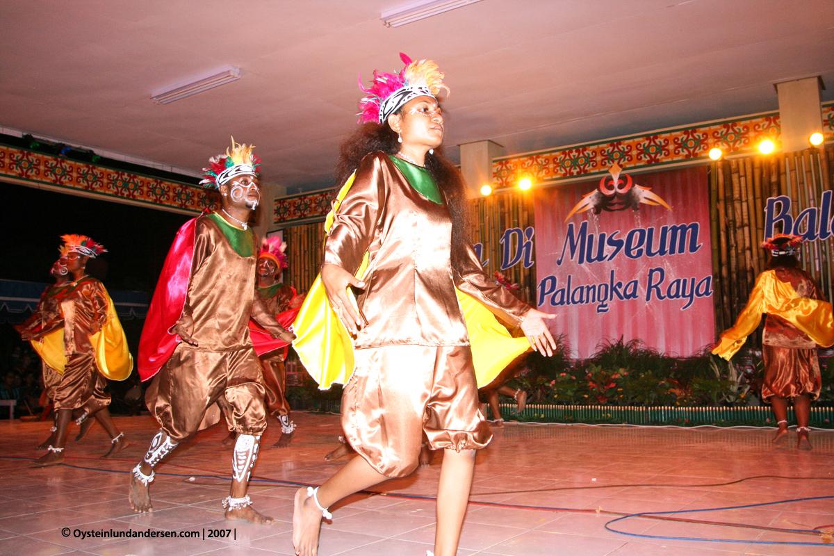 Cenderawasih University Jayapura Papua Anthropology Antropologi UNCEN Milie Mansoben