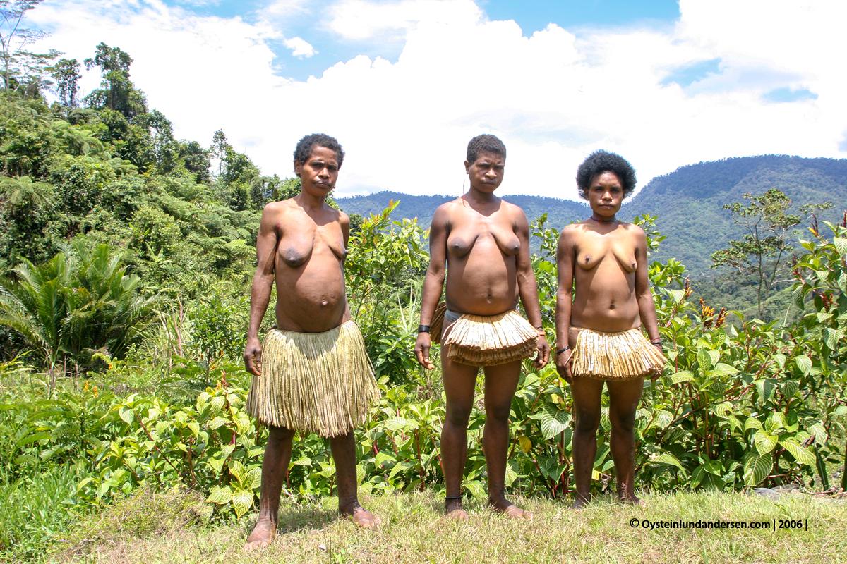 Nongme Urubool Umtambor Sekame Yahukimo 2006 papua west-papua