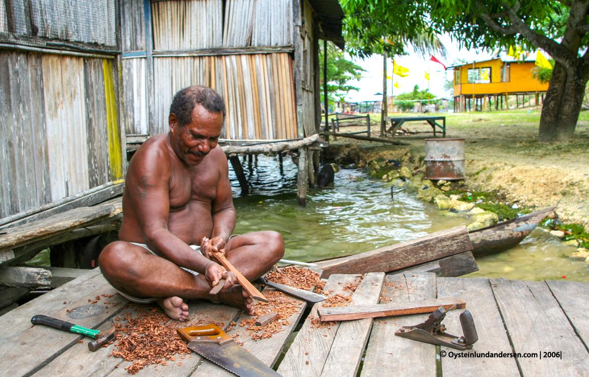 Sentani Papua lake-sentani 2003 2006 village culture anthropology sentani-art