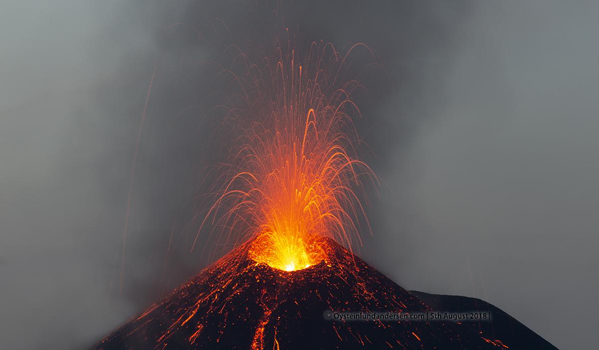 Krakatau volcano eruption explosion august 2018 strombolian indonesia lava-flow