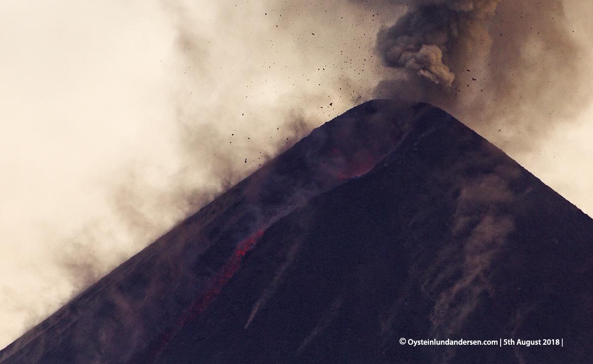 Krakatau volcano eruption explosion 2018 strombolian indonesia lava-flow