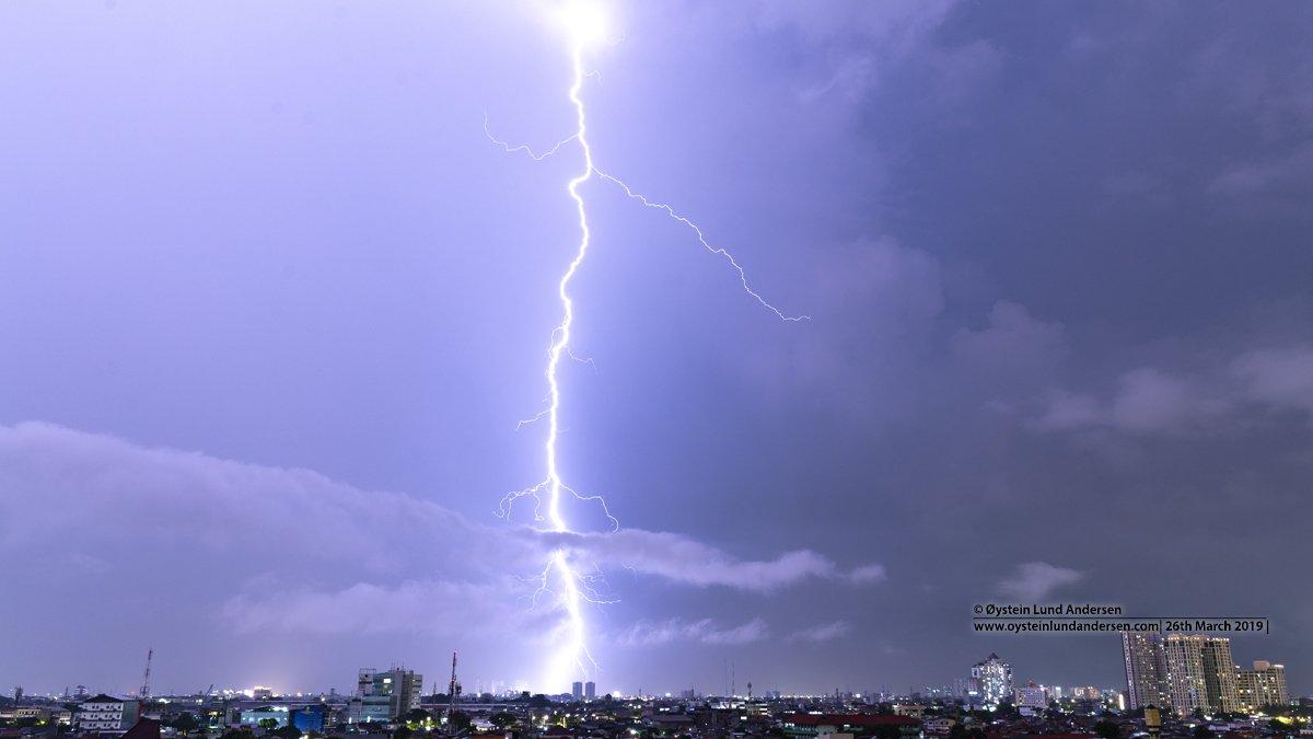 Indonesia Jakarta Thunderstorm Lighting bolt March 2019