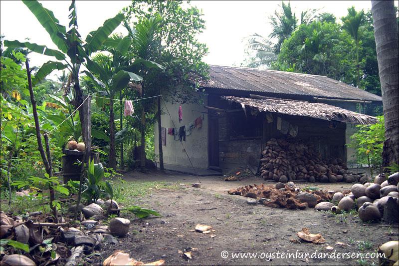 House in Amai. (September 2004)