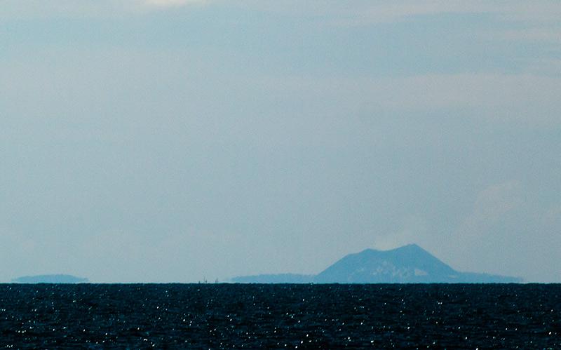 Anak_Krakatau8october2011x1