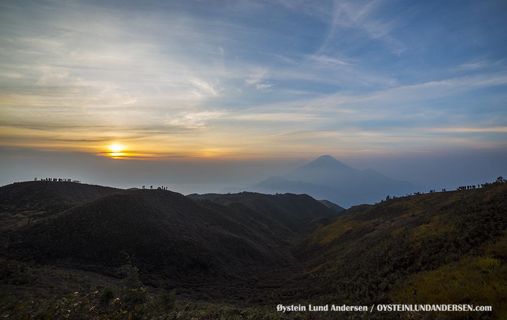 Sindoro Sundoro Volcano Central Java Indonesia Dieng Plateau