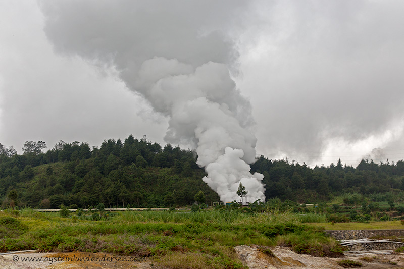 6.Hydrothermal plant using volcanic heat and steam to produce electricity.