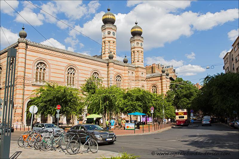 3. Dohány Street Synagogue.