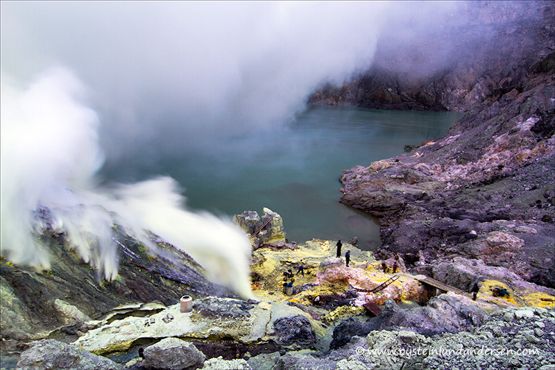 Ijen_volcano-2012-x5