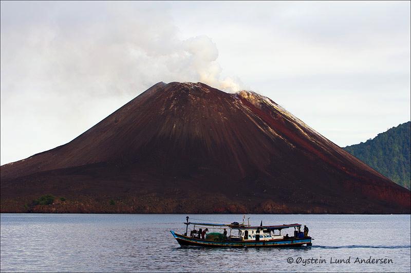 Krakatau-volcano-june-2013(IMG_3466)