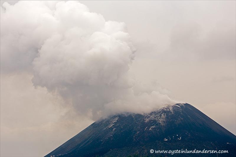Krakatau-volcano-november-2013(IMG_5794)