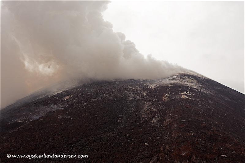 Krakatau-volcano-november-2013(IMG_5849)