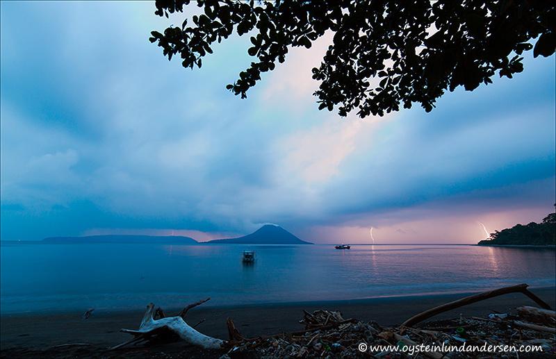 Krakatau-volcano-november-2013(IMG_6776)
