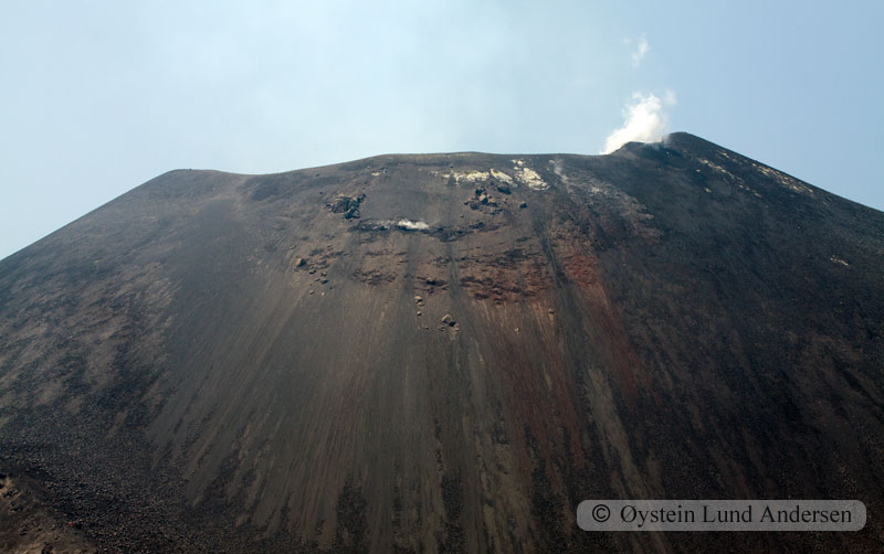 Krakatoa_aug2011_x11