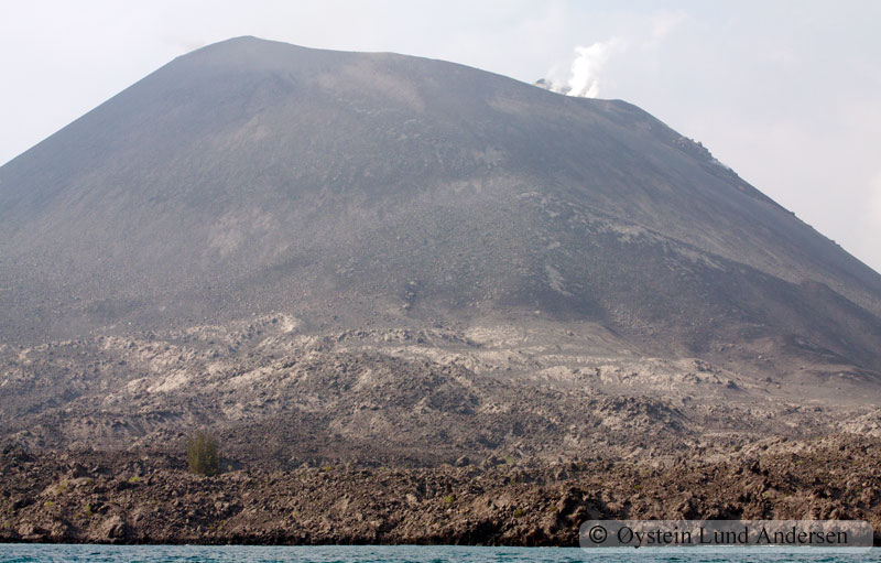 Krakatoa_aug2011_x5