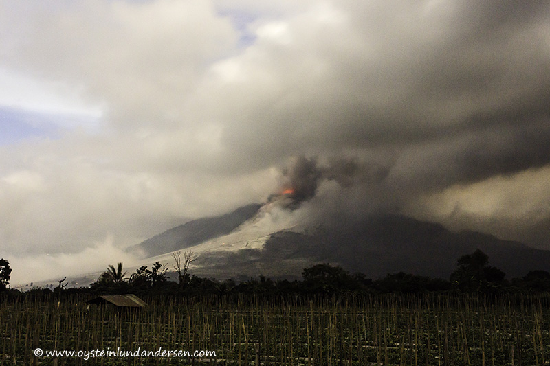 4. A pyroclastic flow emerges from under the cloudes. (11th January - 19:27 local time)