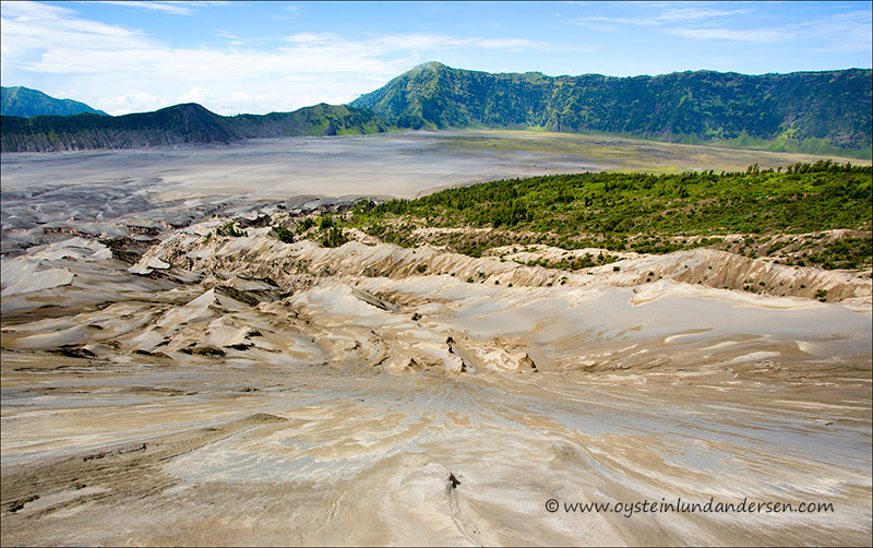 Tengger-Bromo_volcano_june-2013-(IMG_7007)