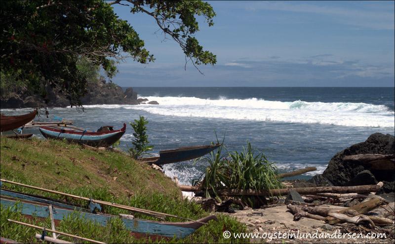 Beach in Yepase. (February 2005)