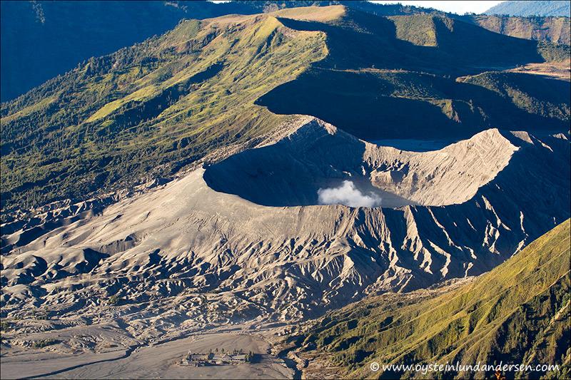 bromo_volcano_aug2012x1-2