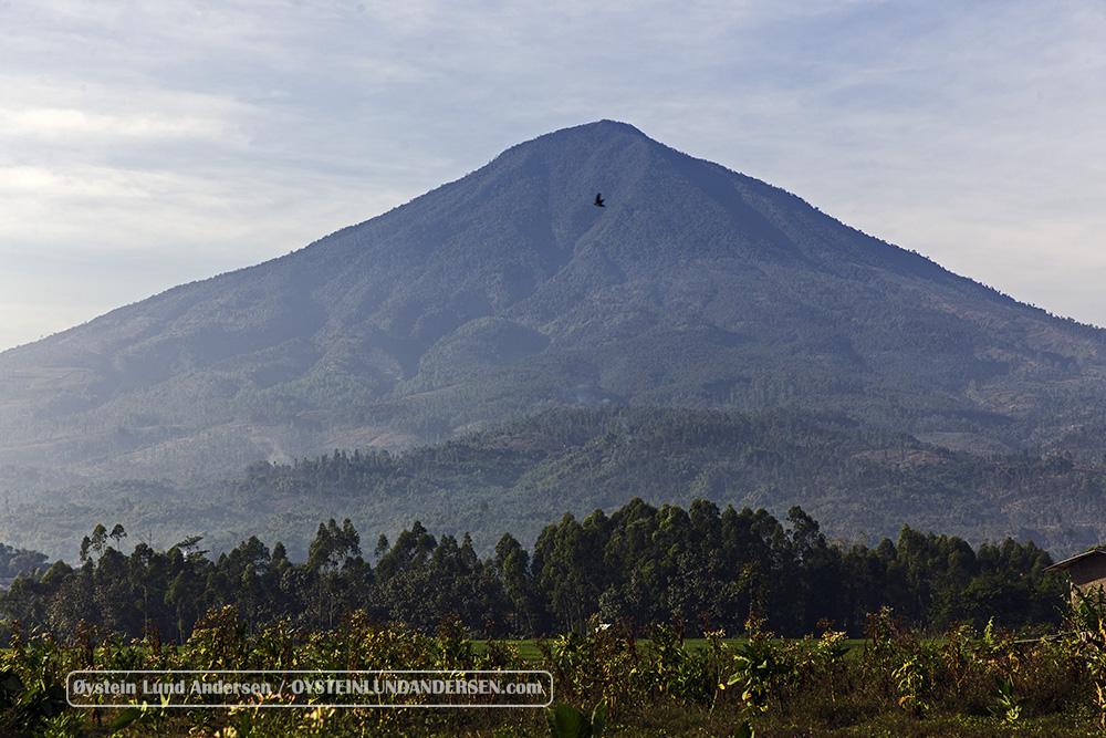 Cikurai_volcano-Indonesia-July-2015_IMG_3787