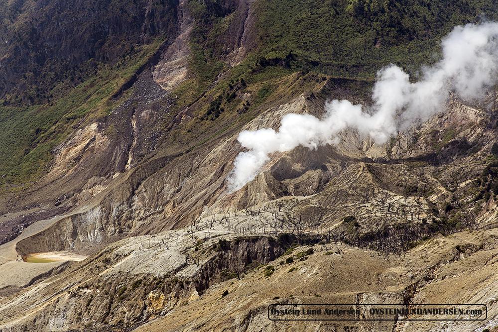 Papandayan_volcano-West-Java-Indonesia-July-2015_IMG_3887
