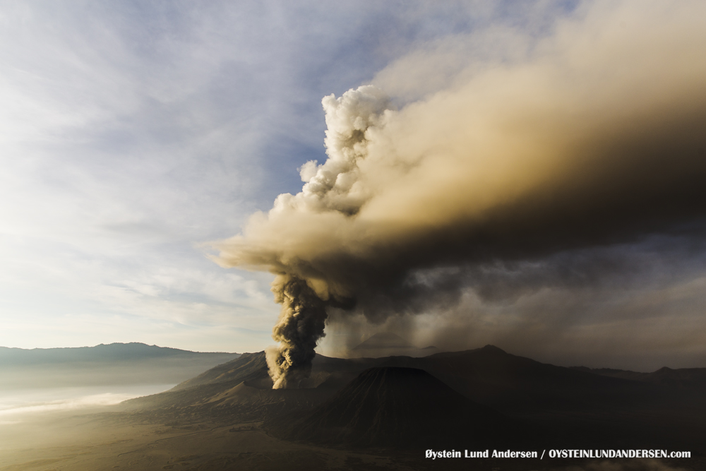 Bromo Eruption December 2015 Indonesia Java ash-plume