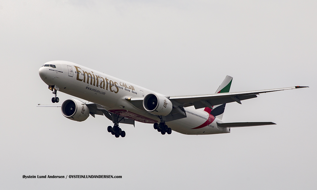 Emirates (A6-EPP Boeing 777-300ER Jakarta Airport Sukarno Hatta