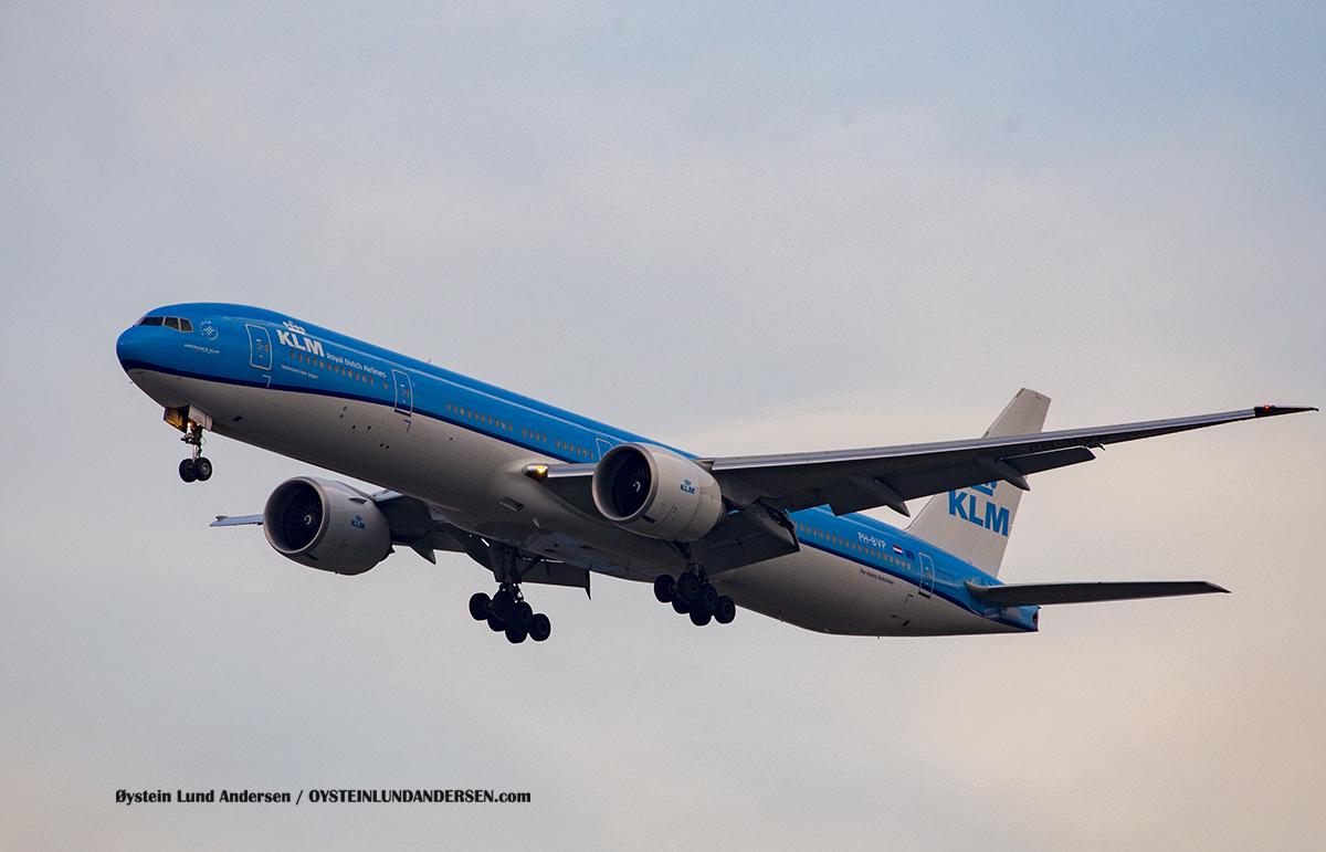 KLM (PH-BVP) Boeing 777-300ER Jakarta Airport Sukarno Hatta