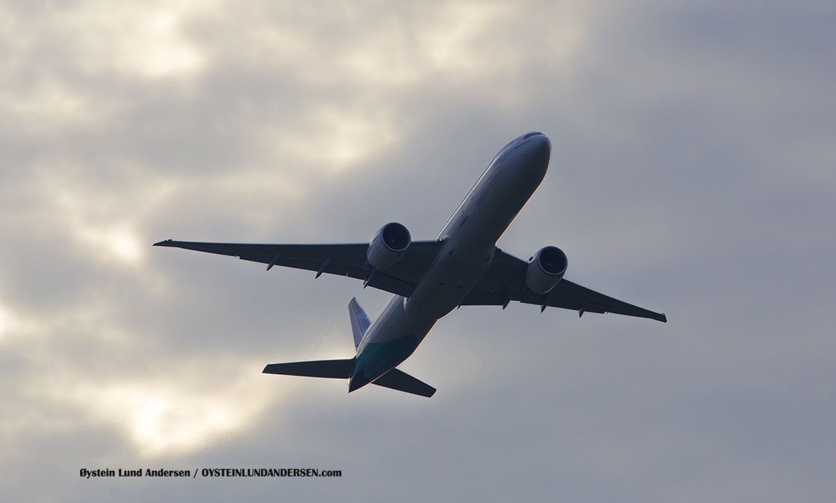 Garuda Indonesia (PK-GIK) Boeing 777-300ER Jakarta Airport Sukarno Hatta